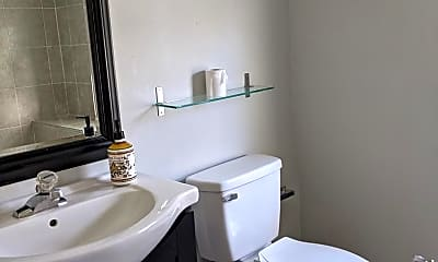 Bathroom, 22 Oriole Ave, 2