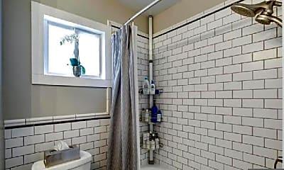 Bathroom, 819 N Barton St, 1
