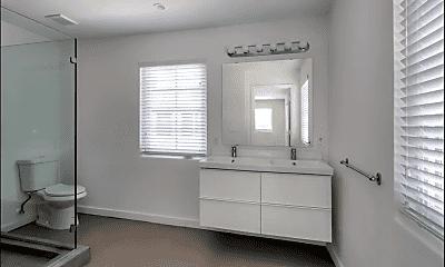 Bathroom, 450 NE 62nd St, 1