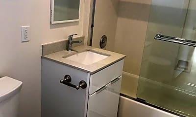 Bathroom, 370 Staten Ave, 2