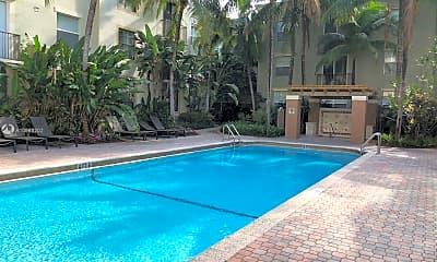 Pool, 1900 Van Buren St 406B, 2