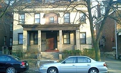 Building, 339 S Fairmount St, 1