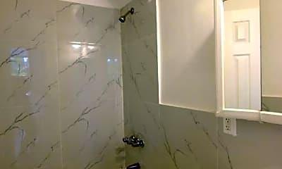 Bathroom, 187 Metropolitan Ave, 2