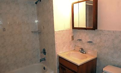 Bathroom, 402 Jefferson St, 2