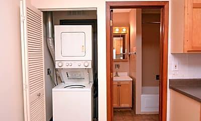 Bathroom, 149 W Kinzie St, 2