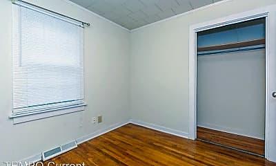 Bedroom, 105 N Roosevelt St, 2