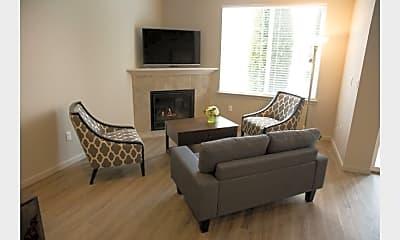 Living Room, 154 Leeanne Ln, 1