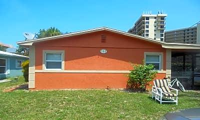 Building, 752 Granada St, 1