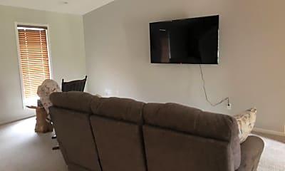 Living Room, 22192 Glencastle Ln, 2