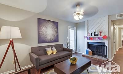 Living Room, 1101 Leah Ave, 1