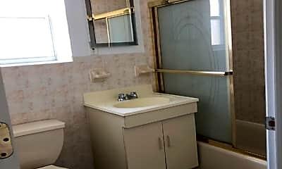 Bathroom, 500 Ellsworth Ave, 1