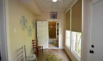 Living Room, 807 W Main St, 1