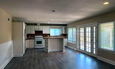 Living Room, 2449 N Castlemont Ct, 0