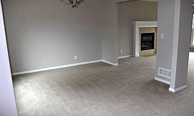 Living Room, 752 Highland Drive, 1