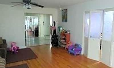 Living Room, 178 Franklin Ave 2, 2