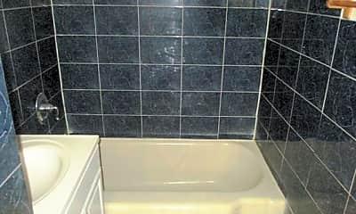 Bathroom, 501 Atlantic Ave, 2