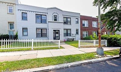 Building, 1243 Penn St NE, 2