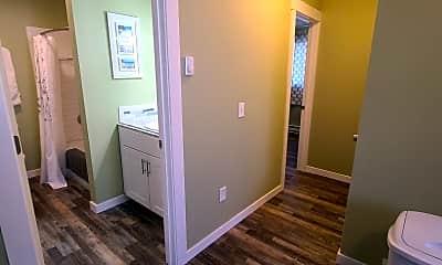 Bedroom, 1303 E Hastings Ave, 2