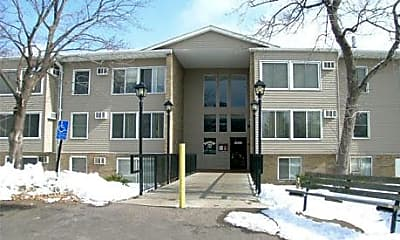 Country Inn Apartments, 2