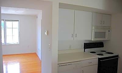 Kitchen, CBS Rentals, 1