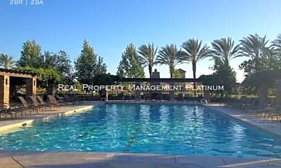 Pool, 3904 Heritage Ave, 1
