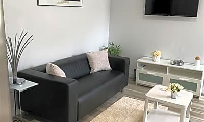 Living Room, 202 Thames St 2R, 1