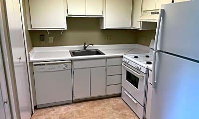 Kitchen, 6225 Lincolnshire Ct SE, 1