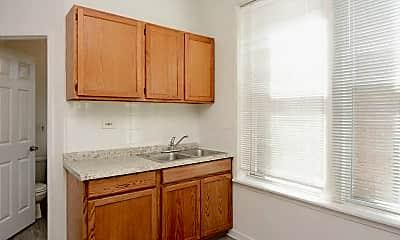 Kitchen, 2346 W Taylor St, 1