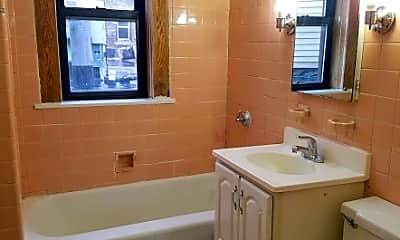 Bathroom, 835 W Mitchell St, 2