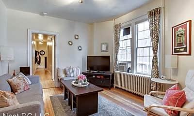 Living Room, 825 5th St NE, 0