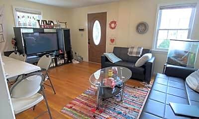 Living Room, 320 Oakley Ave WINTER, 1