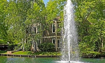 Landscaping, Harbor Oaks Luxury Apartments, 1