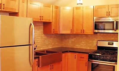 Kitchen, 11 Colchester Ct, 1