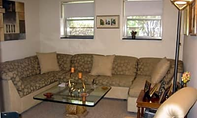 Rosemary Lake Apartments, 2
