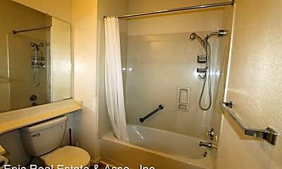 Bathroom, 1 Crescent Way, 2