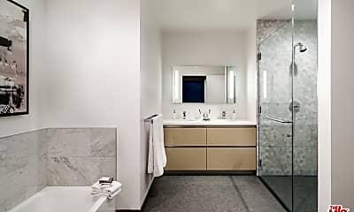 Bathroom, 1200 S Figueroa St E2013, 2