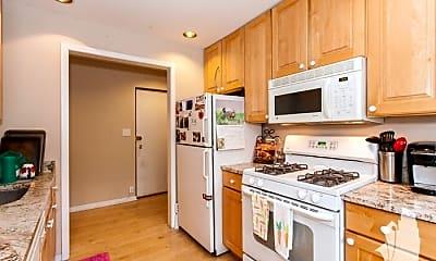 Kitchen, 567 W Arlington Pl, 2