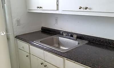 Kitchen, 5600 NW 7th Ct 13, 2