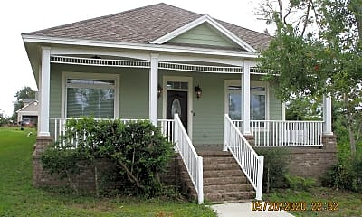 Building, 4007 Oak Forest Dr, 1