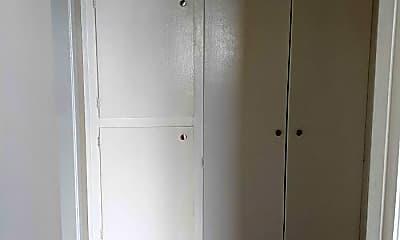 Bedroom, 2749 McAllister St, 2