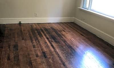 Living Room, 1418 Flynn Rd, 1