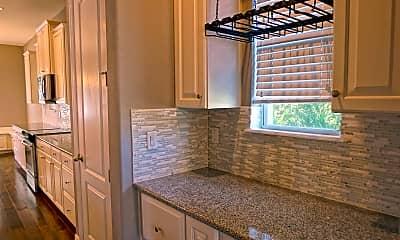 Kitchen, 7516 S Trask St, 2