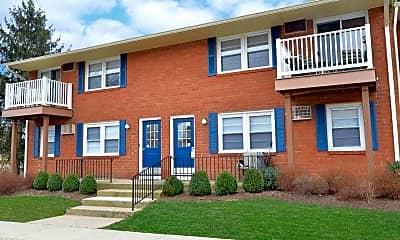 Building, Creek Village Apartments, 0