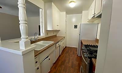 Kitchen, 306 1/2 E Navilla Pl, 2