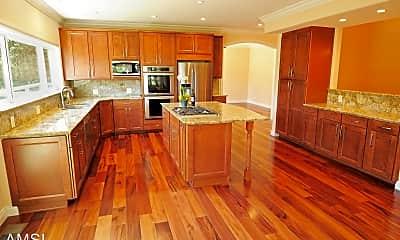 Kitchen, 120 Sheridan Rd, 1