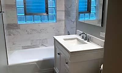 Bathroom, 5338 W Sunnyside Ave 1, 1