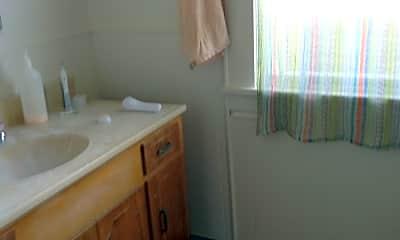 Bathroom, 555 NE Jackson St, 2