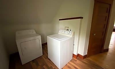 Bathroom, 819 7th Ave S, 2