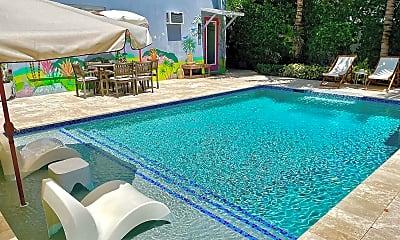 Pool, 412 NE 7th Ave, 1