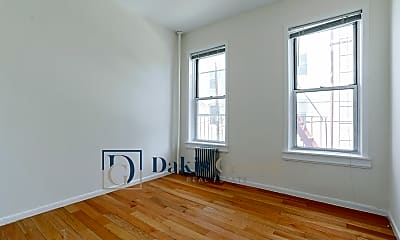 Living Room, 43-07 34th Ave, 1